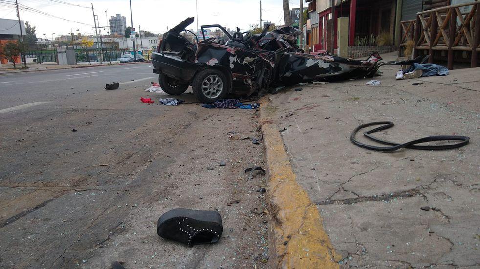 Córdoba. Tres jóvenes murieron tras el impacto. (@nachocadario)