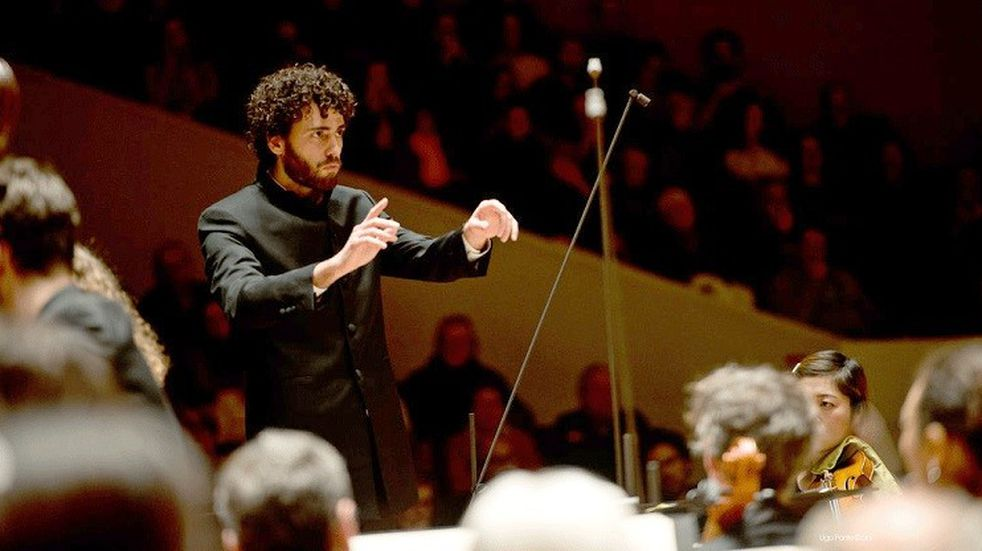 El tucumano Nicolás Agulló ofrecerá un concierto sinfónico en el teatro San Martín