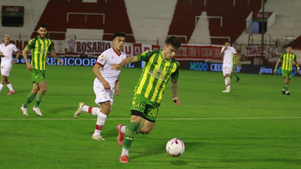 Aldosivi cosechó su tercera derrota al hilo: perdió 2 a 0 contra Huracán y volvió la incertidumbre
