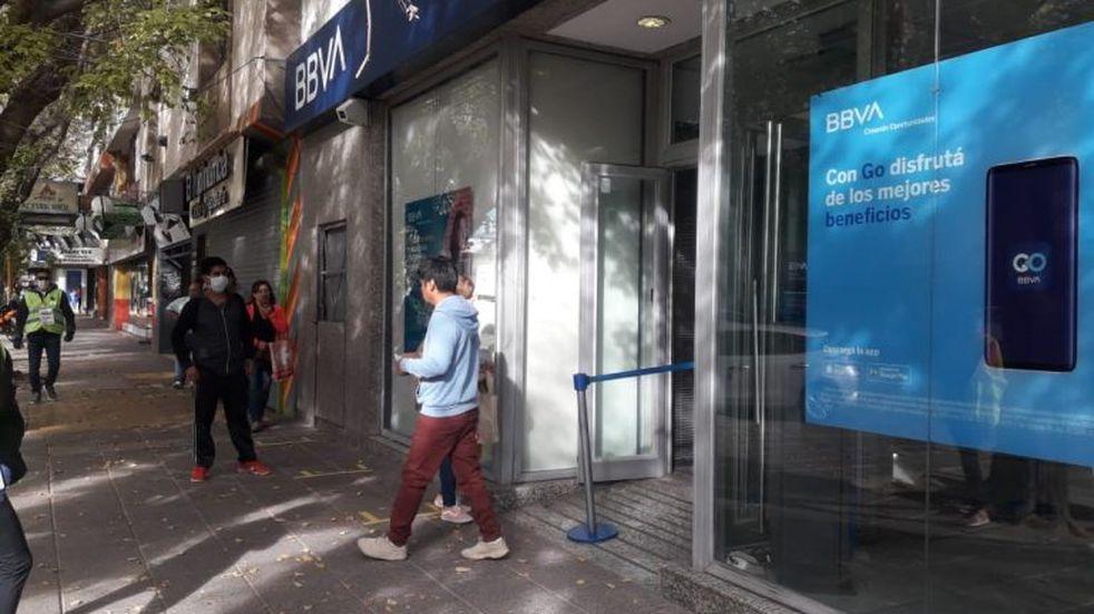 El Banco Central exige a los bancos garantizar la disponibilidad de billetes en los cajeros automáticos