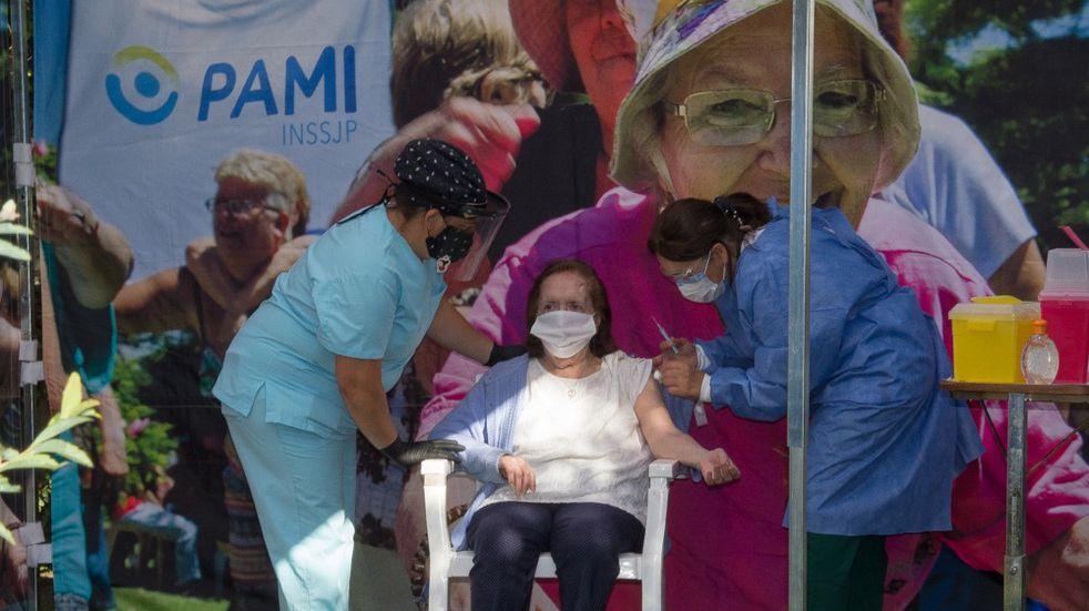 Coronavirus: arrancó la vacunación de adultos mayores en Azul