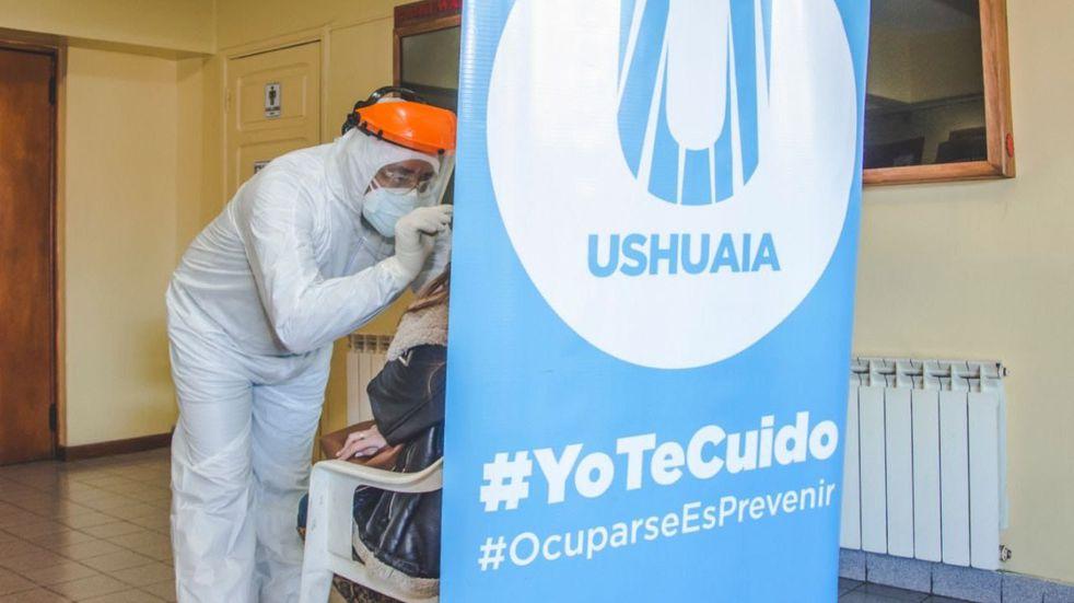 Ushuaia: comenzaron las jornadas de hisopados en el Cine Packewaia