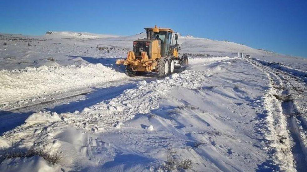 Restringen el tránsito en rutas nacionales y provinciales de la Región Andina por nevadas
