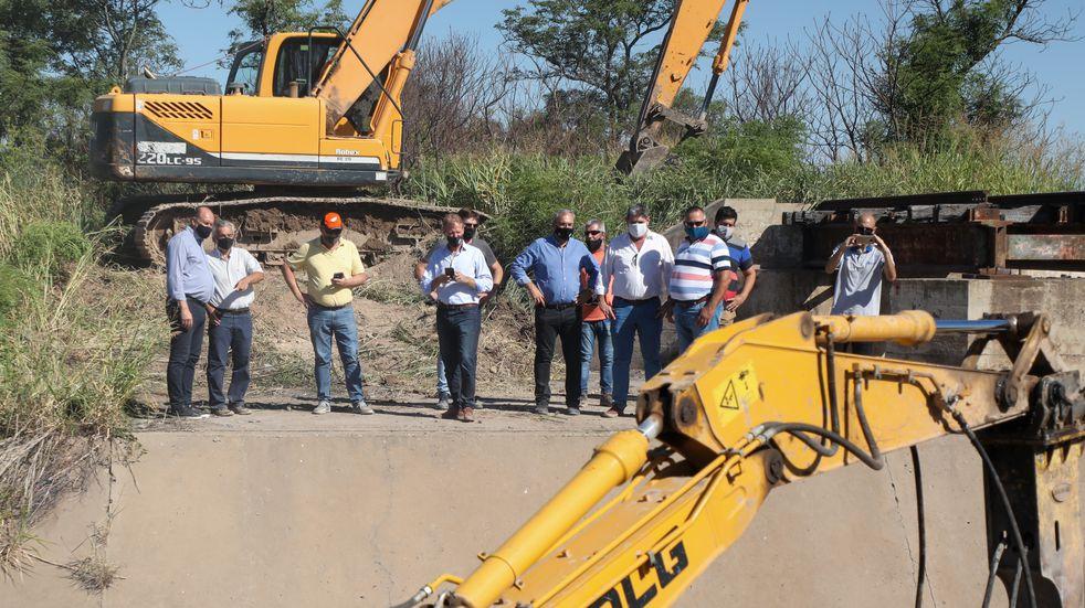 Omar Perotti recorrió e inauguró obras y entregó aportes en el Departamento Castellanos