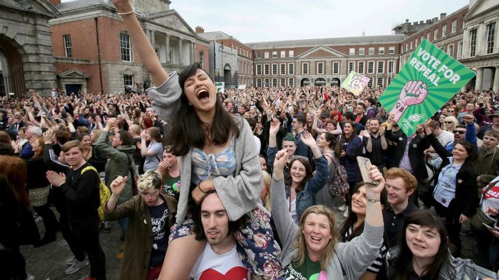 El parlamento de Irlanda aprobó la legalización del aborto