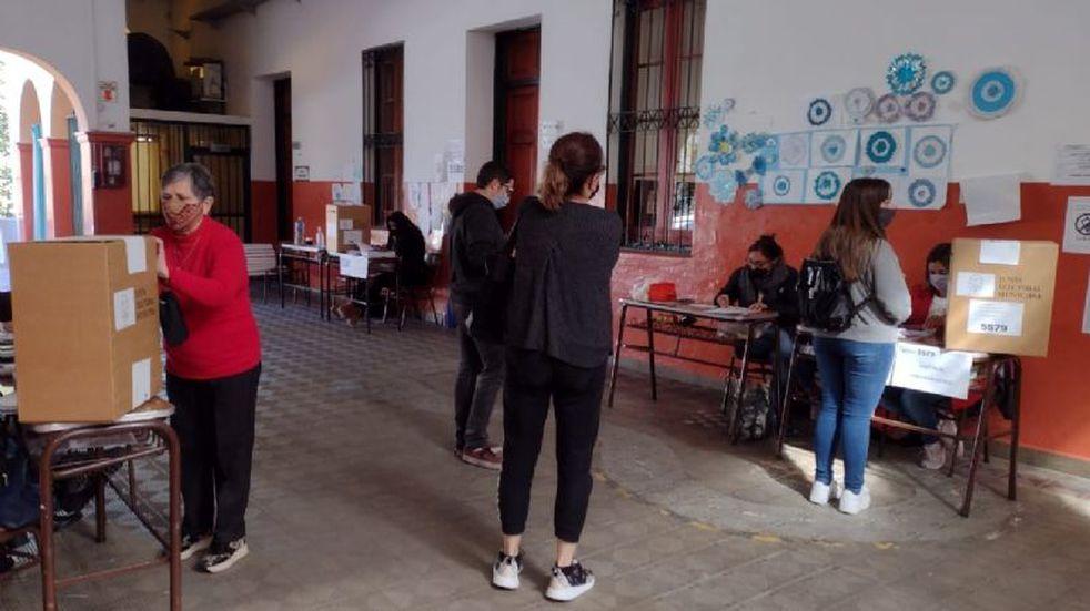 PASO 2021 en Punilla: el acto electoral se desarrolla con normalidad