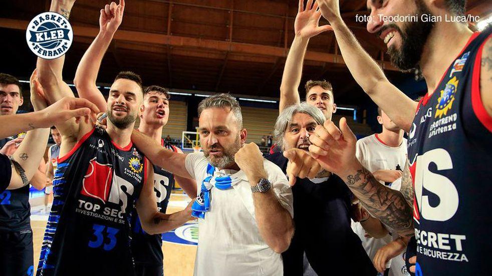 Triunfo e histórica clasificación a semifinales del Ferrara de Bertone en el Básquet Italiano