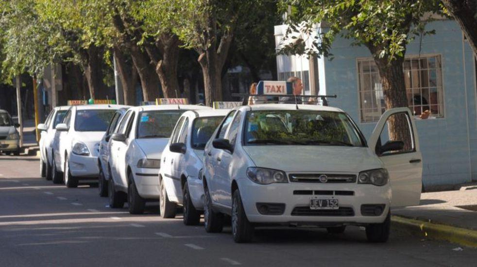 Se aprobó una Ordenanza en beneficio de los taxistas rosaleños