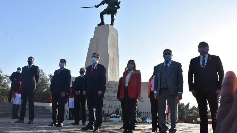 El Gobernador Zamora, encabezó el acto oficial por el 468° aniversario de la Madre de Ciudades