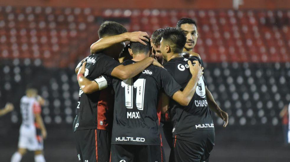 Newell's derrotó 2 a 0 a Patronato y sumó su segundo triunfo consecutivo