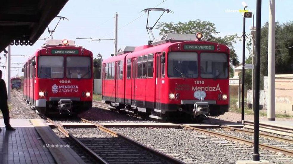 Usuarios del Metrotranvía demostraron descontento por demoras en el servicio
