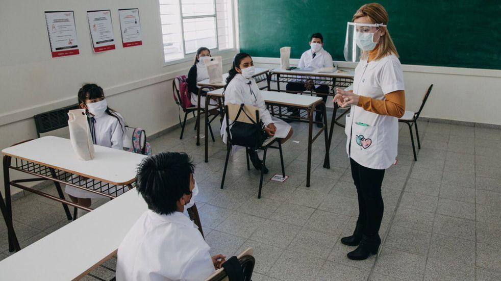 A pesar de las bajas temperaturas, el 70% de los niños asisten a las escuelas