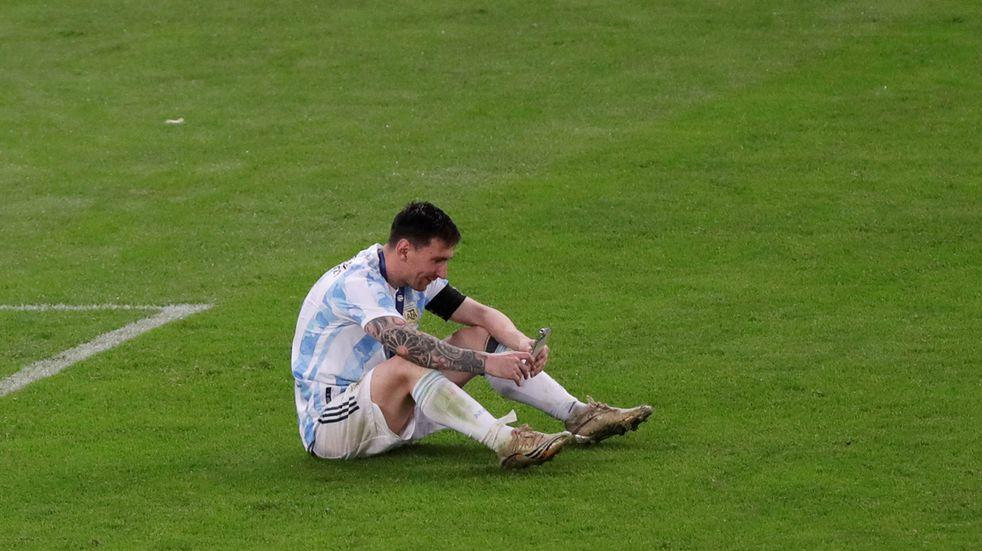 """Lionel Messi le envió un mensaje al Pollo Vignolo: """"cayendo de a poco"""" y planeando sus vacaciones"""
