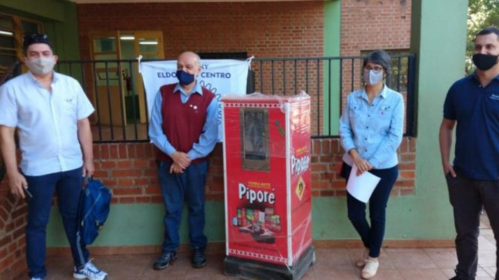 El festejo por el aniversario del Rotary Eldorado incluyó una donación al Samic de la localidad
