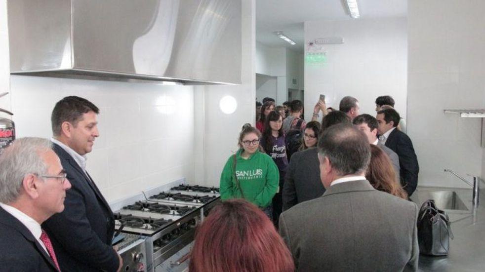 El comedor de la UNSL tiene cocina para celíacos
