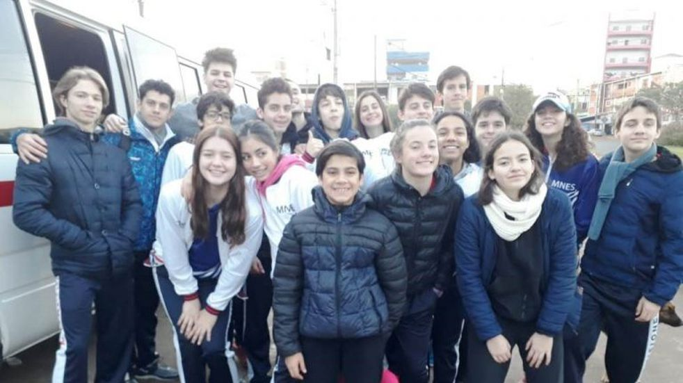 Nadadores de Misiones compiten en Asunción