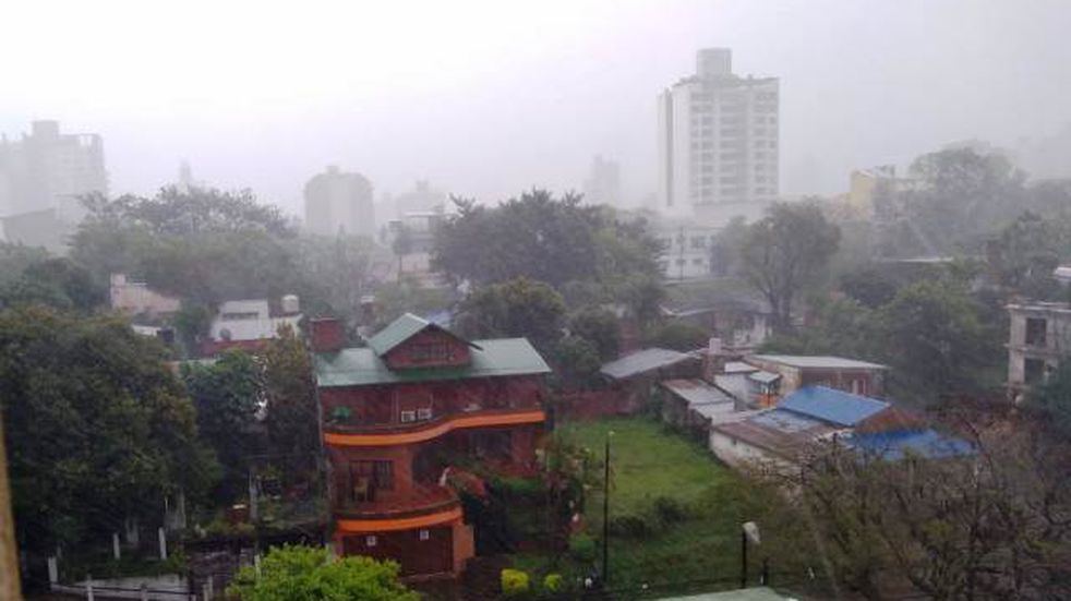 Posadas: asisten a familias afectadas por las intensas precipitaciones