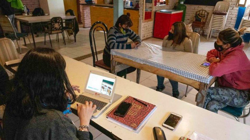 Llevaron a 16 los puntos wifi gratuitos para los estudiantes sin acceso a internet