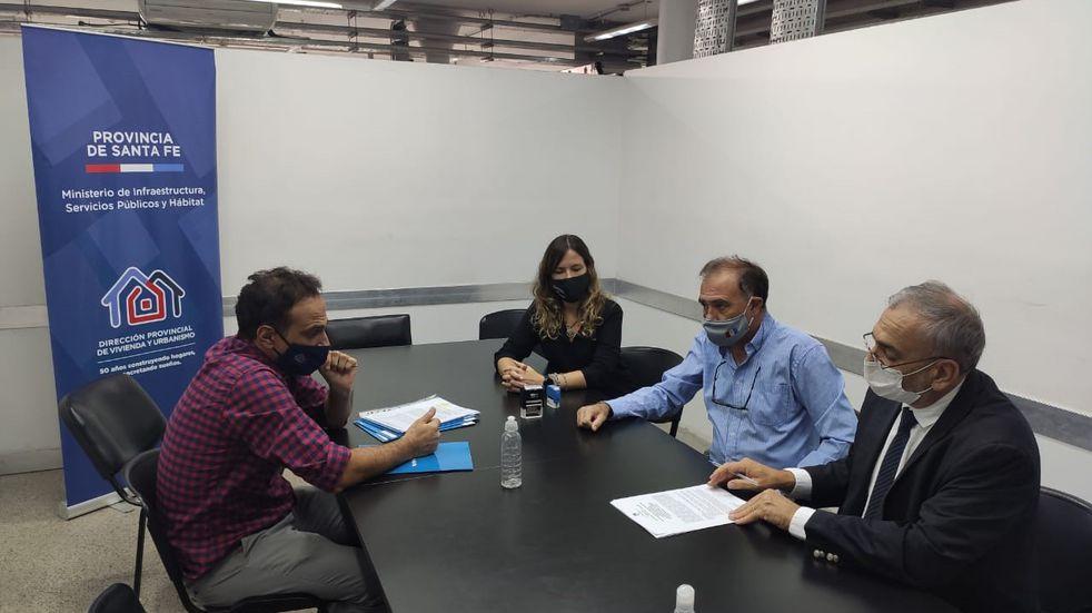 Firmaron convenios para la construcción de viviendas en localidades del departamento Castellanos