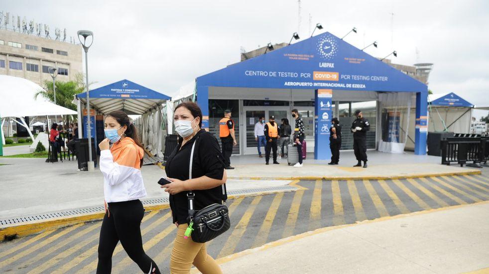 Coronavirus en Argentina: hallaron variantes de Sudáfrica e India