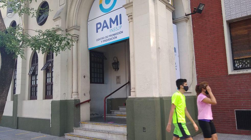 La Ciudad responsabilizó al PAMI por la lista con muertos y personas inexistentes para la vacunación