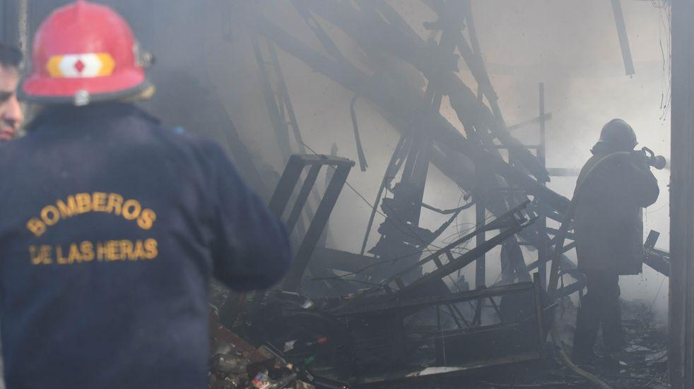 Piden donaciones para una familia que perdió todo tras un incendio