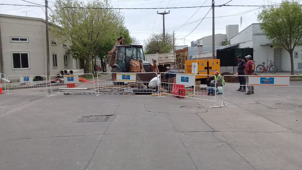 Trabajos de ASSA en calle Paraná