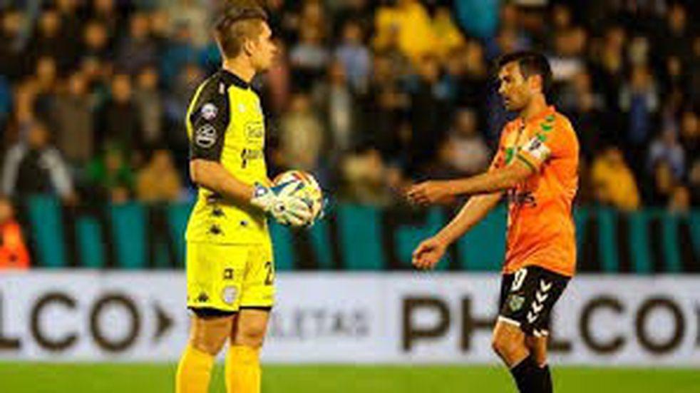 Fernando Espinoza aceptó su error en el Belgrano-Banfield, pero no se siente culpable