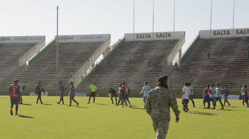 Un equipo de la Liga Salteña de Fútbol jugó contra presos del penal de Villa Las Rosas