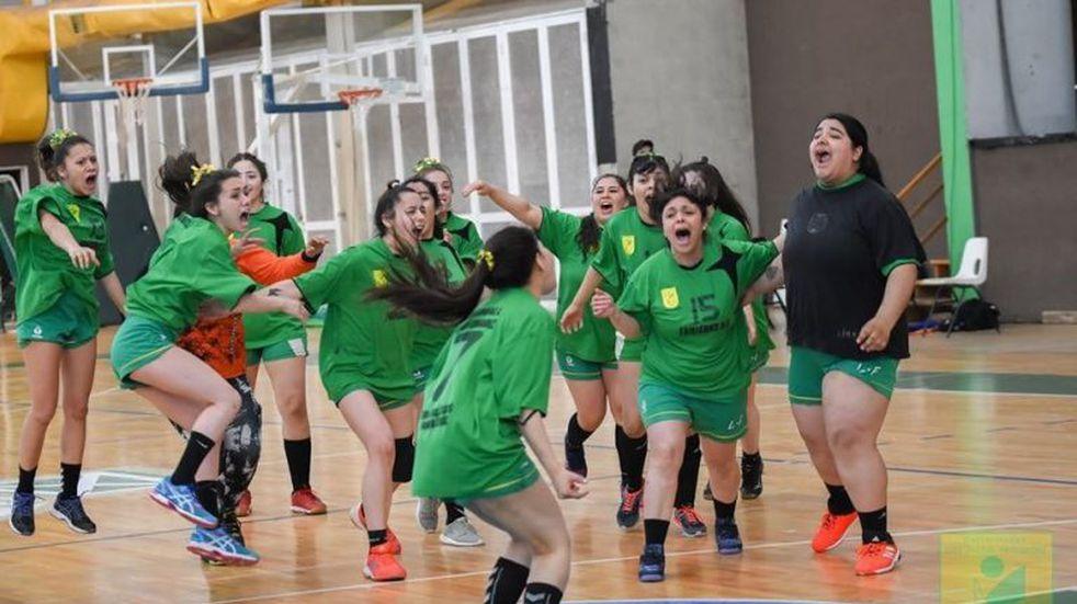 Handball 2020: las chicas del Lucho ascendieron al Nacional B