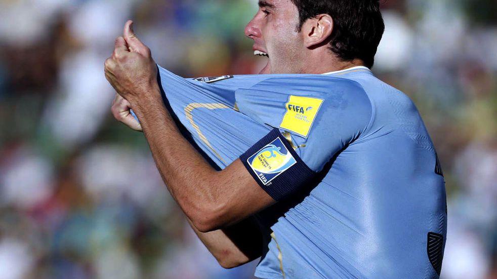 """Diego Godín: """"El Cacique Medina me llamó varias veces para que vaya a Talleres"""""""
