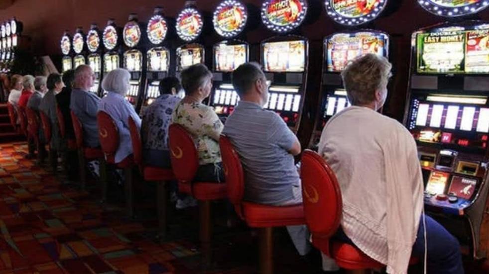 El Instituto Provincial de Loterías y Casinos clausuró salas de juego en Puerto Iguazú