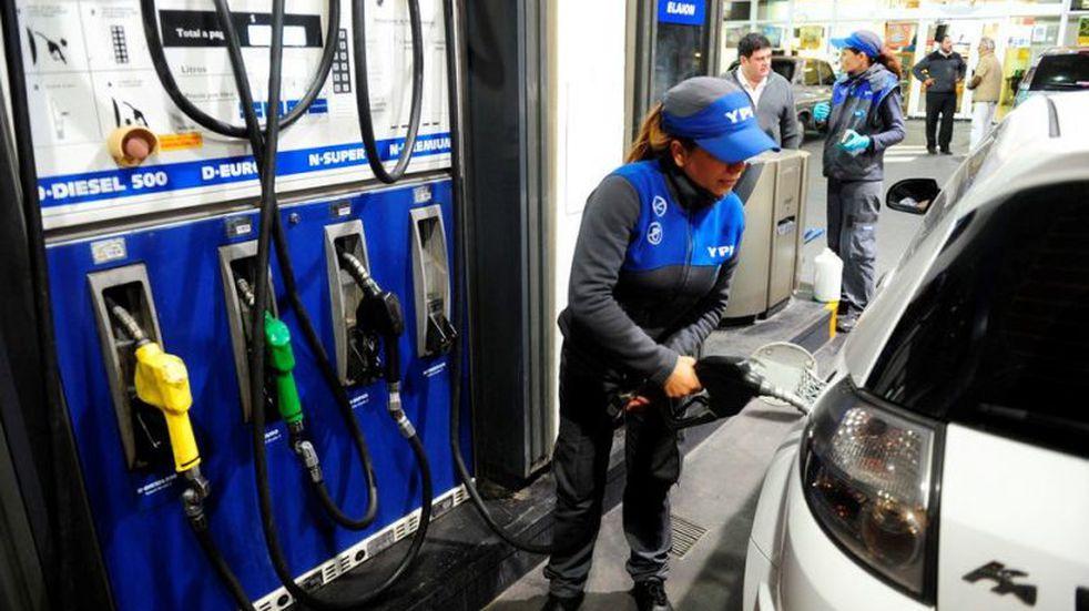 Confirmaron un aumento del 3% para la nafta y el gasoil a partir de este sábado
