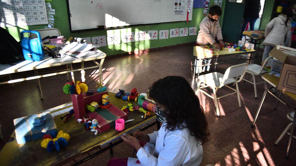 """UEPC insiste en mantener las clases virtuales ante la """"crítica situación sanitaria"""""""