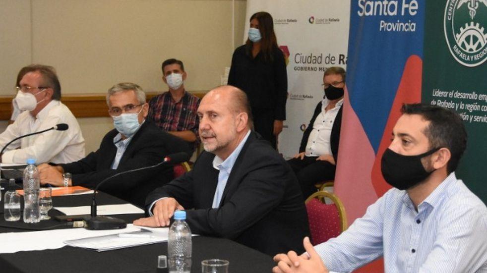 Santa Fe evalúa posponer la aplicación de la segunda dosis para inocular a más personas