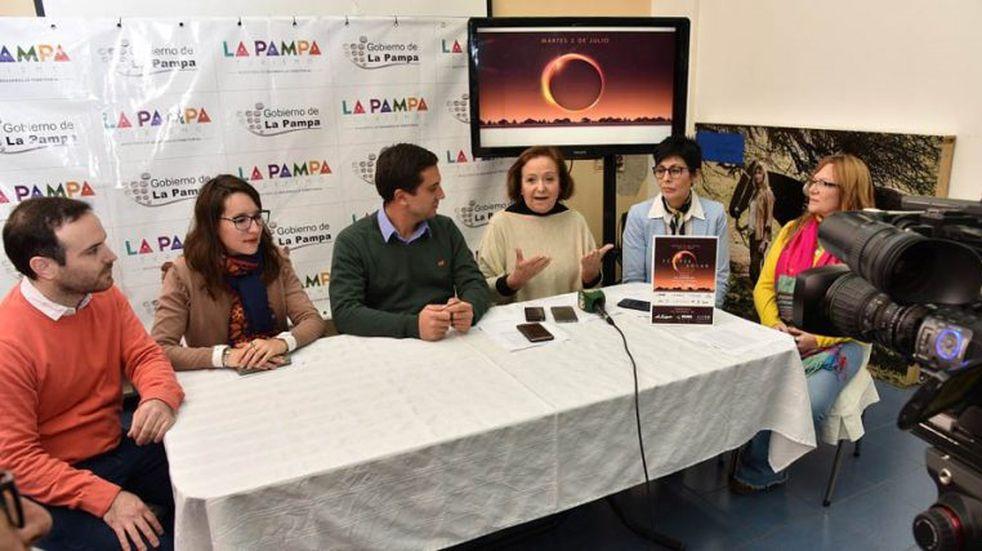 Organizaron un evento especial para la observación del eclipse solar del 2 de julio