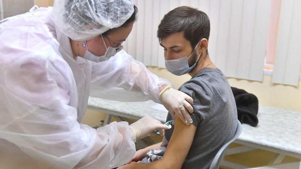 Coronavirus en Rusia: con muy pocos vacunados, la tercera ola de casos golpea con fuerza