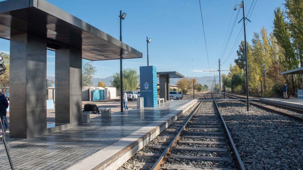 Inauguraron el nuevo parador del Metrotranvía en el Parque TIC de Godoy Cruz