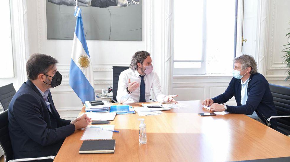 """El Gobierno presiona a los distritos para que """"tomen medidas"""" ante el avance del coronavirus"""