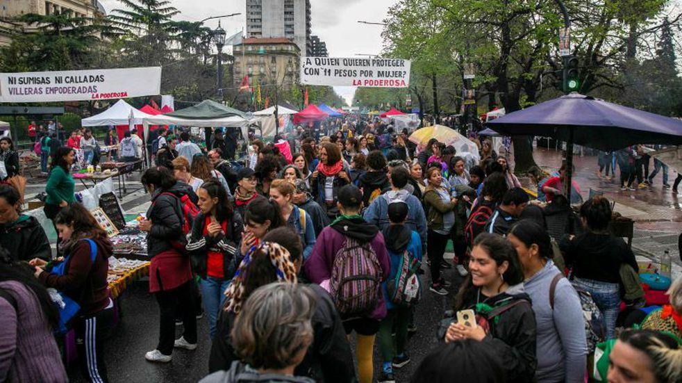 A pesar del temporal, miles de mujeres asisten a los talleres del Encuentro
