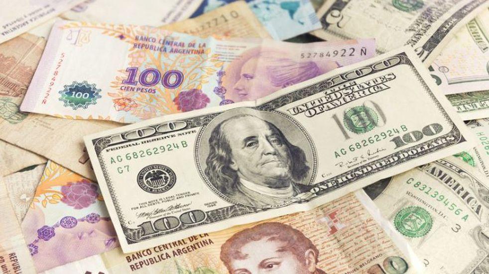 Chubut pagará sueldos pesificando dólares que tenía ahorrados para hacer obras
