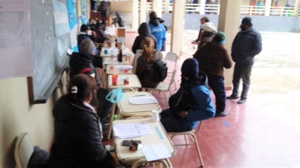 Elecciones en Jujuy: en pandemia y con frío, sufragó más del 60% del padrón