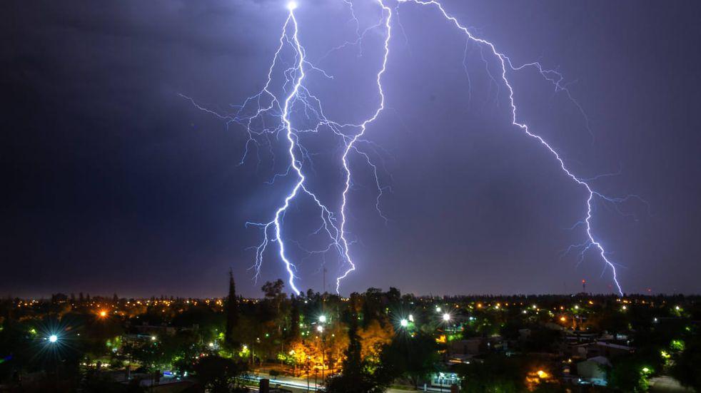 Se espera una noche con tormentas aisladas
