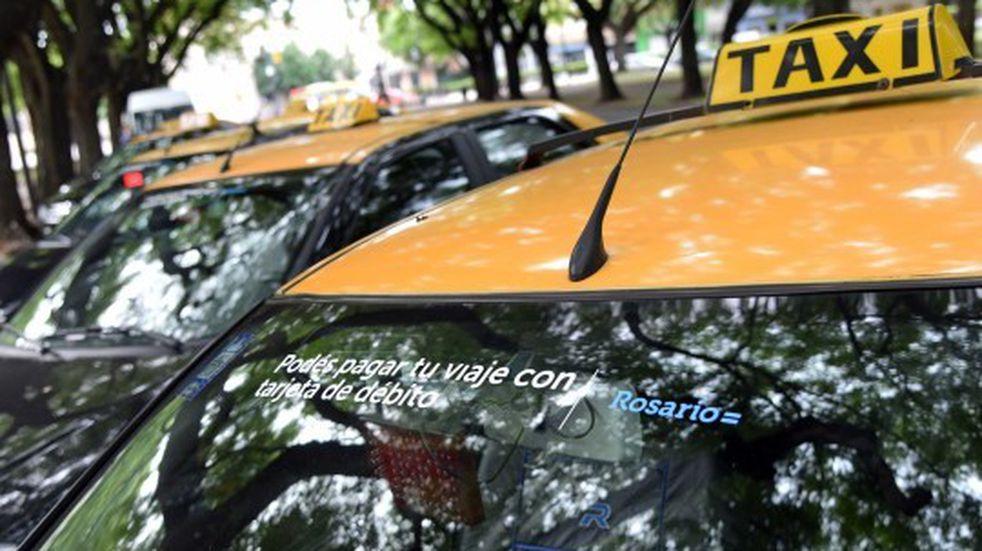 Los taxistas evalúan cortar el servicio nocturno en reclamo de aumento