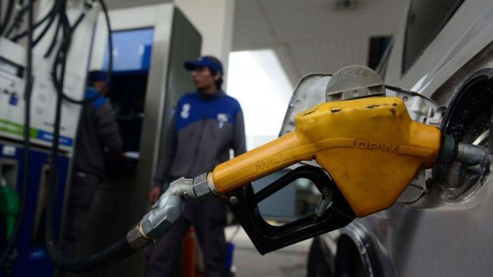 Estaciones de servicio locales están con faltante de combustible por presión de las petroleras