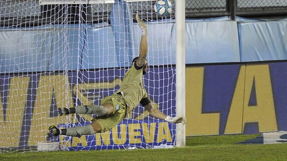 Racing sufrió hasta el final, le ganó a San Martín de San Juan por penales y avanzó en Copa Argentina