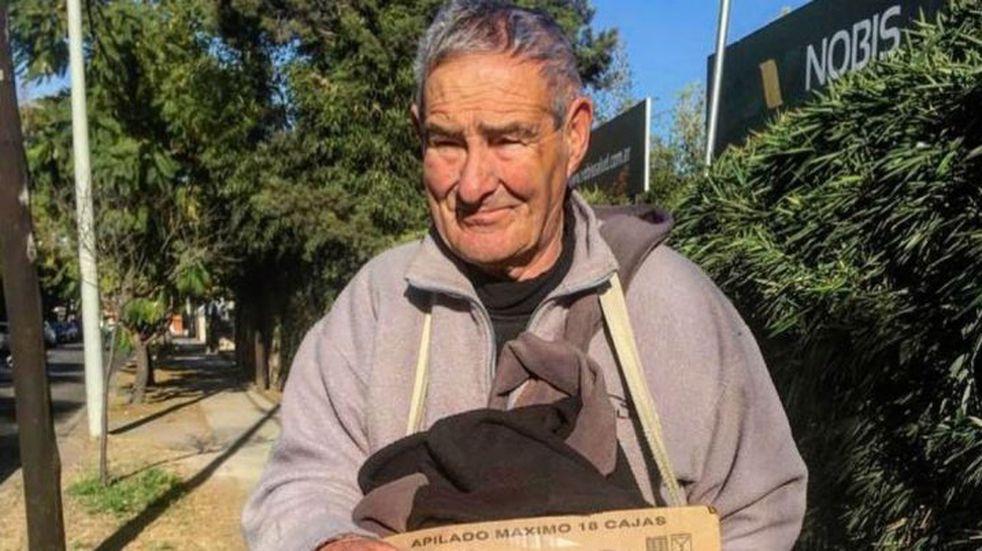 La conmovedora historia de Juan, el vendedor de turrones de la avenida Gauss