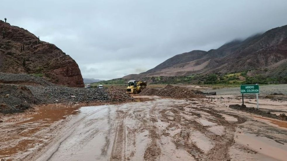 Después de las lluvias, se restableció el tránsito en la Quebrada