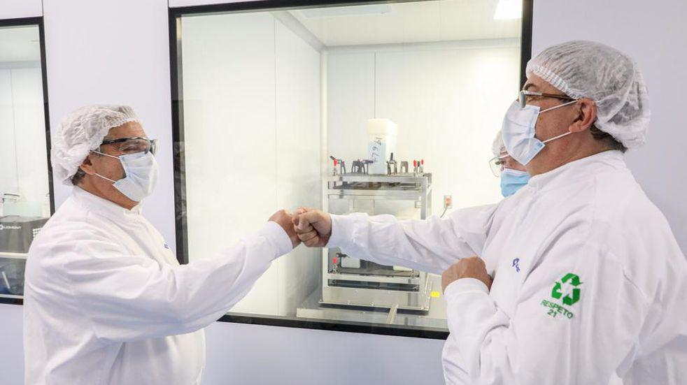Alberto Fernández visitó el laboratorio mexicano que produce junto a Argentina la vacuna de Oxford-AstraZeneca