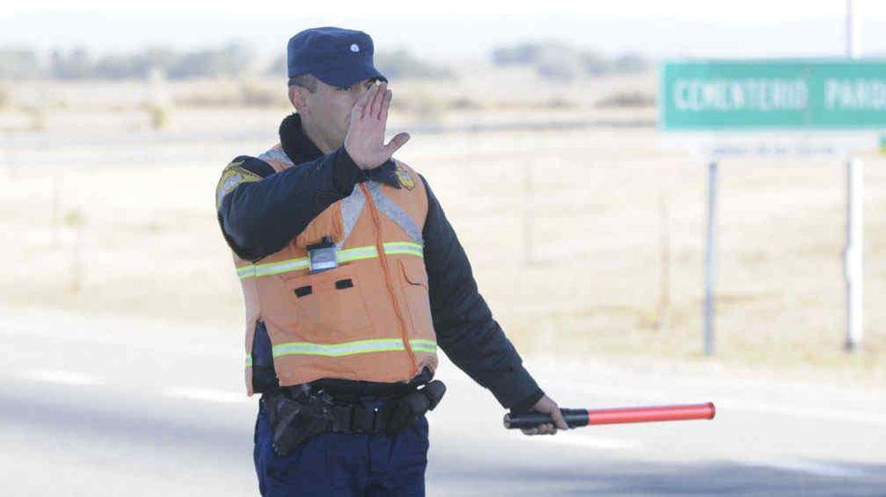 Proponen bajar los precios de las multas de la Policía Caminera